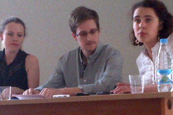 'Edward Snowden tijdens een persconferentie in Moskou vrijdag'