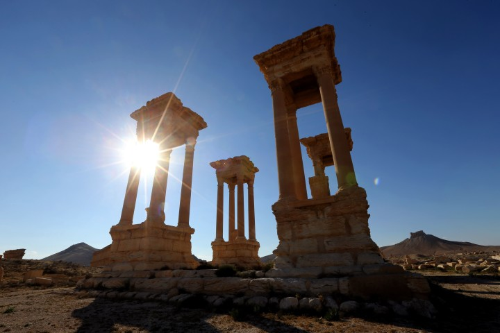 2016-03-31 15:41:53 A view of the ancient Syrian city of Palmyra on March 31, 2016 Syrian troops backed by Russian forces recaptured Palmyra on March 27, 2016, after a fierce offensive to rescue the city from jihadists who view the UNESCO-listed site's magnificent ruins as idolatrous. / AFP PHOTO / JOSEPH EID