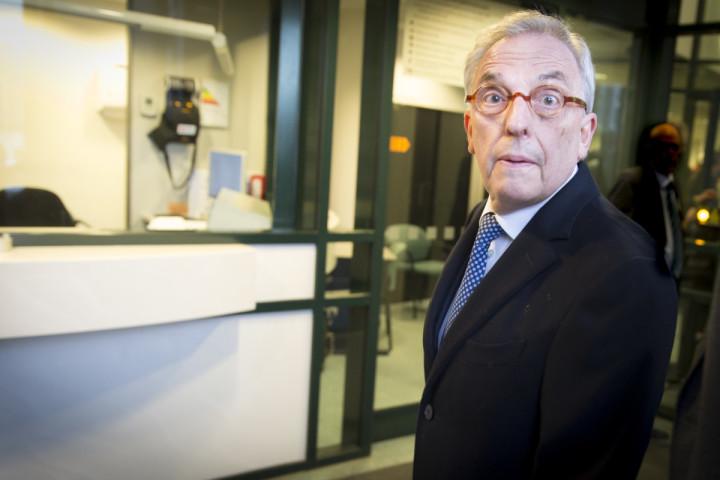 2016-04-04 09:50:23 ROTTERDAM - Oud-wethouder Jos van Rey arriveert bij de rechtbank in Rotterdam voor de inhoudelijk behandeling van zijn strafzaak. Van Rey wordt onder andere verdacht van het aannemen van smeergeld en het doorspelen van vertrouwelijke informatie. ANP JERRY LAMPEN