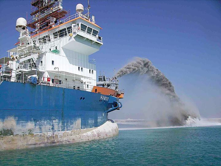 ECO FAMILIEBEDRIJF_Van-oord-vessel.1-