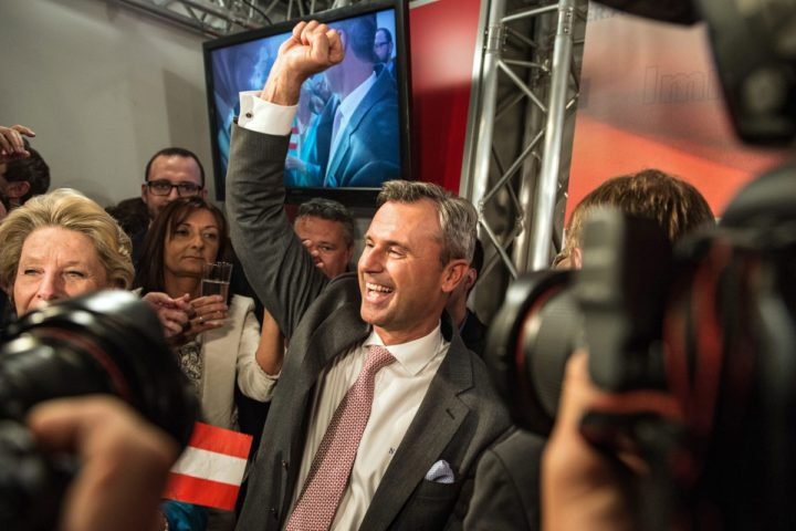 2016-04-24 18:19:47 epa05276001 Right-wing Austrian Freedom Party (FPOe) presidential candidate Norbert Hofer (C) celebrates at the party headquarters after the Austrian presidential elections in Vienna, Austria, 24 April 2016. Exit polls suggested a lead for right-wing candidate Norbert Hofer. Voters could choose between six candidates. Around 6.4 million Austrians aged over 16 were eligible to vote to elect the ninth head of state of the Austrian Second Republic, founded in 1945. EPA/FILIP SINGER