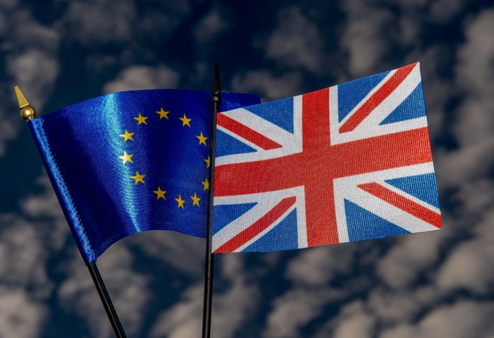 "2016-05-20 19:52:10 This photo illustration created on May 20, 2016 in Lille shows the flags of the European Union and the United Kingdom. On June 23, 2016 Great Britain will hold a referendum on whether or not the United Kingdom will remain within the European Union, often referred to as ""Brexit."" Group of Seven finance ministers on May 21 warned of the risks from a ""shock"" to the world economy if Britain votes to leave the European Union next month. / AFP PHOTO / PHILIPPE HUGUEN"