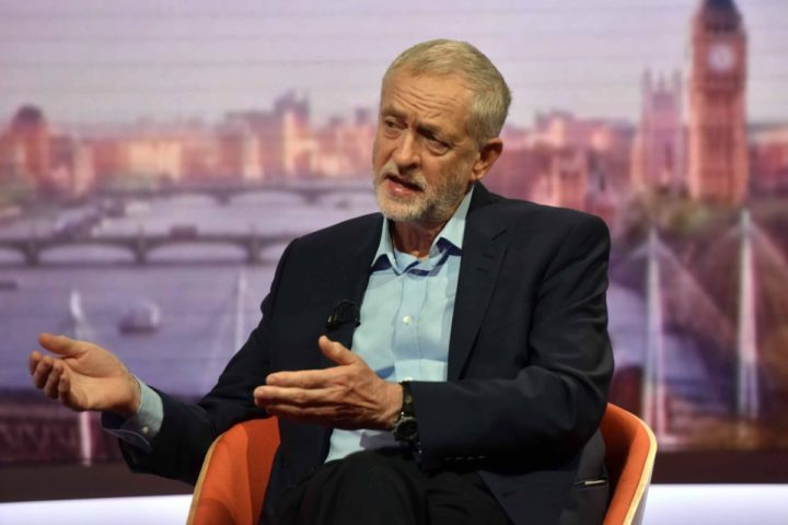2016-06-19 09:03:18 epa05377122 A handout image from the British Broadcasting Corporation (BBC) shows British Labour Leader Jeremy Corbyn being interviewed by Andrew Marr (not pictured) as he appears on the Andrew Marr show at BBC Studios, Central London, Britain, 19 June 2016. Britons will vote on whether to remain in or leave the EU in a referendum on 23 June 2016. EPA/JEFF OVERS / BBC / HANDOUT HANDOUT EDITORIAL USE ONLY/NO SALES