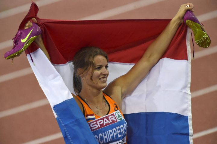 2014-08-15 20:00:00 epa04355428 Dafne Schippers of the Netherlands celebrates after winning the women's 200 meter final at the European Athletics Championships 2014 at the Letzigrund stadium in Zurich, Switzerland, 15 August 2014. EPA/RAINER JENSEN