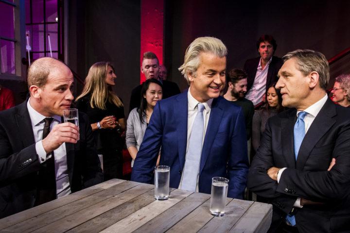 2016-04-05 00:00:00 DELFT - (VLNR) Diederik Samsom van de PvdA, Geert Wilders van PVV en Sybrand van Haersma Buma van CDA voorafgaand aan de informatieve uitzending NOS Nederland Kiest - Het Referendum in aanloop naar het referendum over het associatieverdrag tussen de EU en Oekraine. ANP KIPPA REMKO DE WAAL