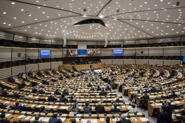 2016-05-25 15:20:48 BRUSSEL - Koning Willem-Alexander houdt een toespraak tijdens de plenaire vergadering van het Europees Parlement in Brussel ter gelegenheid van het Nederlands voorzitterschap van de Raad van de Europese Unie. ANP ROYAL IMAGES JONAS ROOSENS