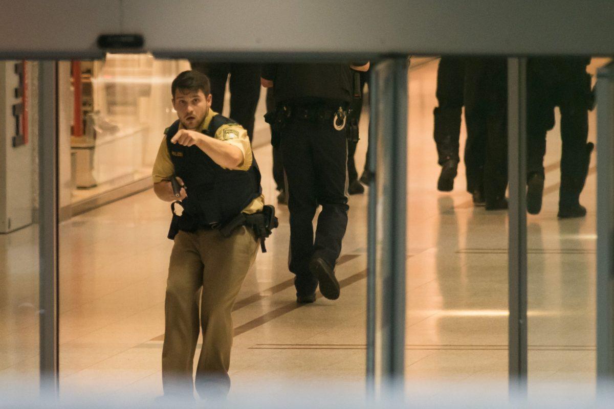 Een van daders mogelijk onder doden winkelcentrum München ... 13fb0ea446899