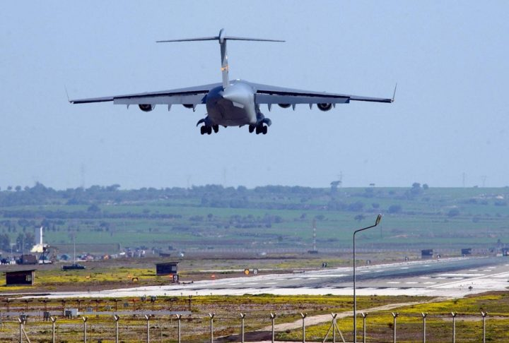 2003-03-11 09:30:19 epa04858122 (FILE) A file picture dated 11 March 2003 shows US military plane landing at Incirlik airbase, near the southern Turkish city of Adana. Turkey has agreed to allow the United States to use the US-Turkish air base in Incirlik to launch manned and unmanned aerial attacks against the Islamic State, a US defence official confirmed on 24 July 2015. Washington has been pressing Ankara to take a more forward role in the fight against Islamic State in bordering Syria. Getting that permission puts coalition planes closer to their targets in Iraq and Syria. EPA/VALDRIN XHEMAJ