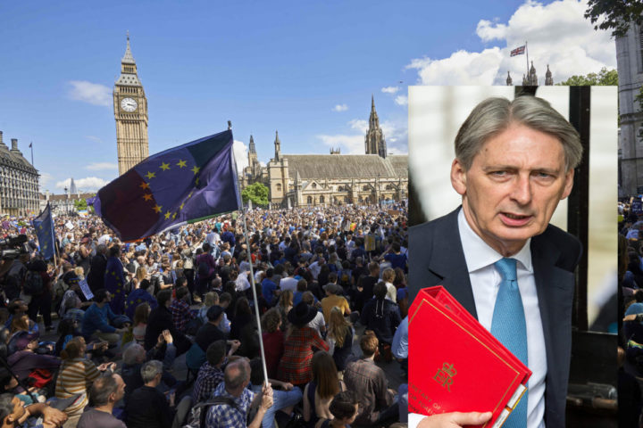 2016-07-02 15:21:26 A European flag is flown as thousands of protesters gather in Parliament Square as they take part in a March for Europe, through the centre of London on July 2, 2016, to protest against Britain's vote to leave the EU, which has plunged the government into political turmoil and left the country deeply polarised. Protesters from a variety of movements march from Park Lane to Parliament Square to show solidarity with those looking to create a more positive, inclusive kinder Britain in Europe. / AFP PHOTO / Niklas HALLE'N