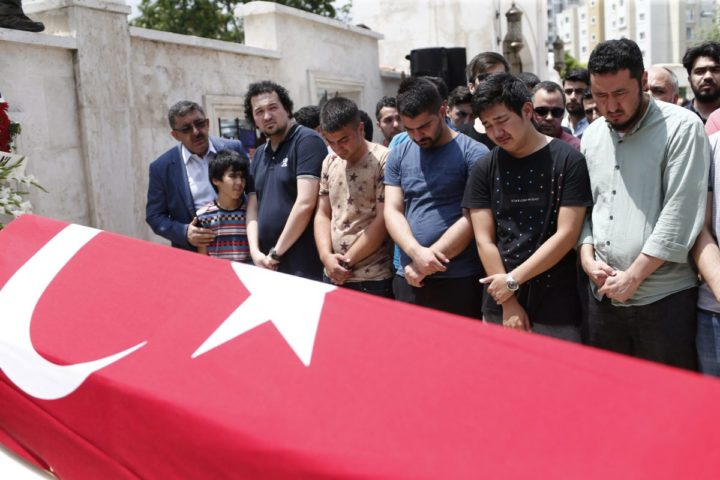 2016-06-30 12:46:55 epa05398804 Relatives of Habibullah Sefer, who was killed in the attacks at Ataturk Airport on 28 June, mourn during a funeral in Istanbul, Turkey, 30 June 2016. At least 42 people were killed and more than 239 others were wounded in three separate gun and bomb attack outside and inside the terminal of Istanbul's Ataturk international airport on 28 June, media reported quoting officials. The attacks have been linked to either the Islamic State (IS or ISIS) militant group or Kurdish separatists, media added. EPA/SEDAT SUNA