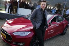 Tesla spint garen bij elektrificatie auto-industrie