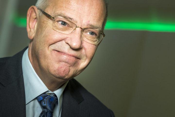 2015-02-20 11:18:58 AMSTERDAM - Gerrit Zalm, voorzitter van de Raad van Bestuur, tijdens de presentatie van de jaarcijfers 2014 van de ABN AMRO bank. ANP LEX VAN LIESHOUT