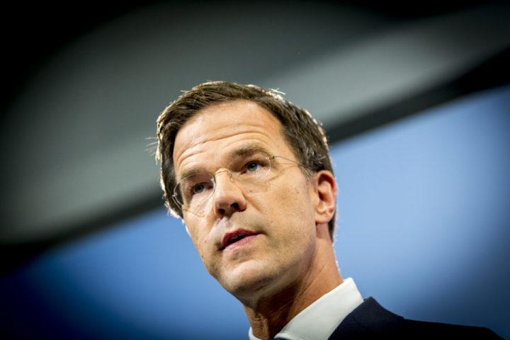 2016-08-19 15:06:39 DEN HAAG - Premier Mark Rutte staat de pers te woord tijdens de wekelijkse persconferentie na afloop van de ministerraad. ANP JERRY LAMPEN