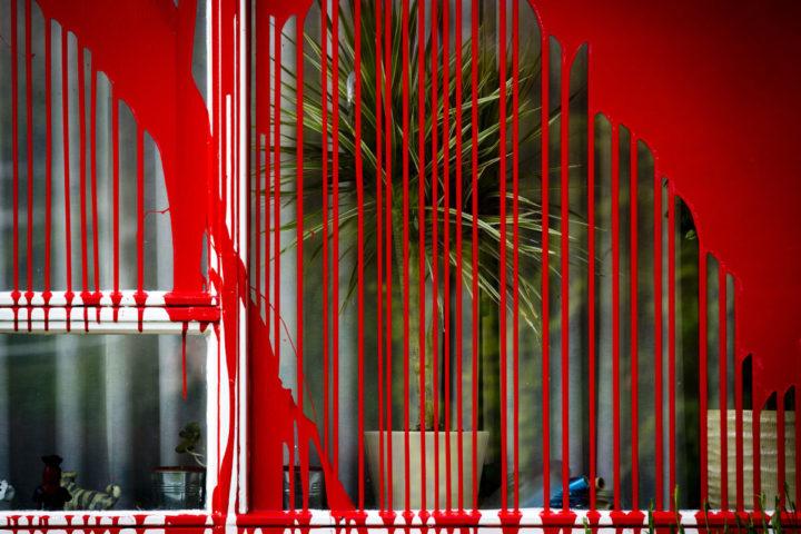 2013-06-02 19:57:40 LEIDEN - Het huis van de directeur van de Immigratie en Naturalisatie Dienst Rob van Lint is besmeurd met rode verf. ANP EVERT-JAN DANIELS