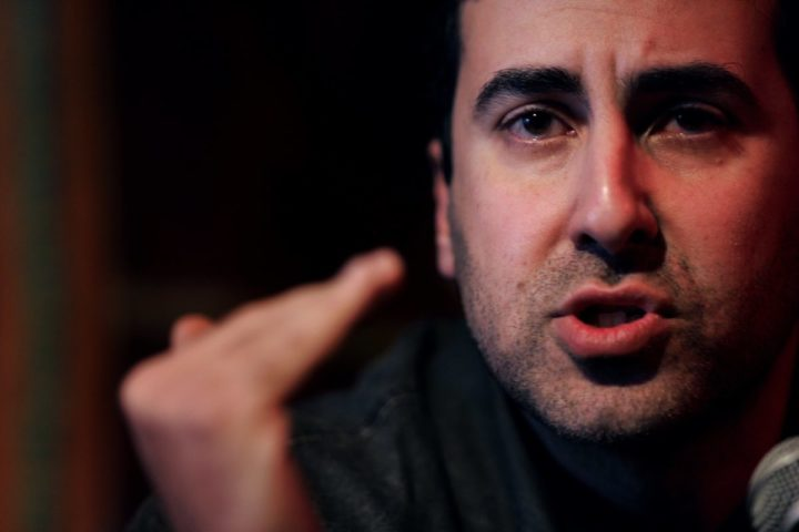 2006-03-03 00:00:00 ROTTERDAM - Dyab Abou Jahjah, de leider van de Arabisch Europese Liga (AEL), adviseert zijn achterban in Nederland om op de SP te stemmen. ANP PHOTO EVERT-JAN DANIELS