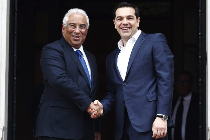 2016-04-11 11:31:11 epa05253952 Greek Prime Mnister Alexis Tsipras (R) shakes hands with Portuguese Prime Minister Antonio Costa (L) outside the Maximos Mansion during his official visit to Athens, Greece, 11 April 2016. The prime ministers are expected to sign a joint declaration on the future of Europe and the strengthening of cooperation between the two countries. EPA/ALEXANDROS VLACHOS