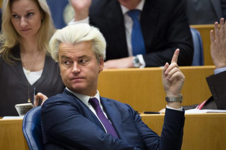 2016-04-12 14:10:44 DEN HAAG - PVV-fractievoorzitter Geert Wilders tijdens het vragenuur in de Tweede Kamer. ANP BART MAAT