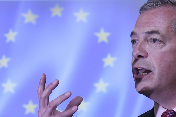 2016-06-22 11:16:32 epa05383191 The UK Independence Party (UKIP) leader, Nigel Farage delivers a key note speech in London, Britain, 22 June 2016. Britons will vote on whether to remain in or leave the EU in a referendum on 23 June 2016. EPA/FACUNDO ARRIZABALAGA