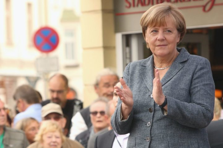 2016-09-03 09:50:00 German Chancellor Angela Merkel attends a Christian Democratic Union (CDU) party campaign on the eve of state election in Mecklenburg-Western Pomerania, in Bad Doberan, eastern Germany, on September 3, 2016. / AFP PHOTO / Adam BERRY