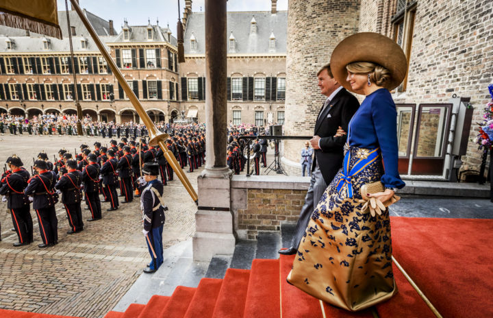 2016-09-20 13:48:41 DEN HAAG - Koning Willem Alexander en koningin Maxima na afloop van het voorlezen van de troonrede in de Ridderzaal. ANP ROYAL IMAGES REMKO DE WAAL