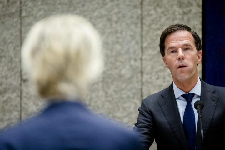 2016-09-22 10:51:59 DEN HAAG - Premier Mark Rutte in debat met PVV-fractievoorzitter Geert Wilders tijdens de voortzetting van de Algemene Politieke Beschouwingen, die traditioneel volgen op Prinsjesdag. ANP BART MAAT