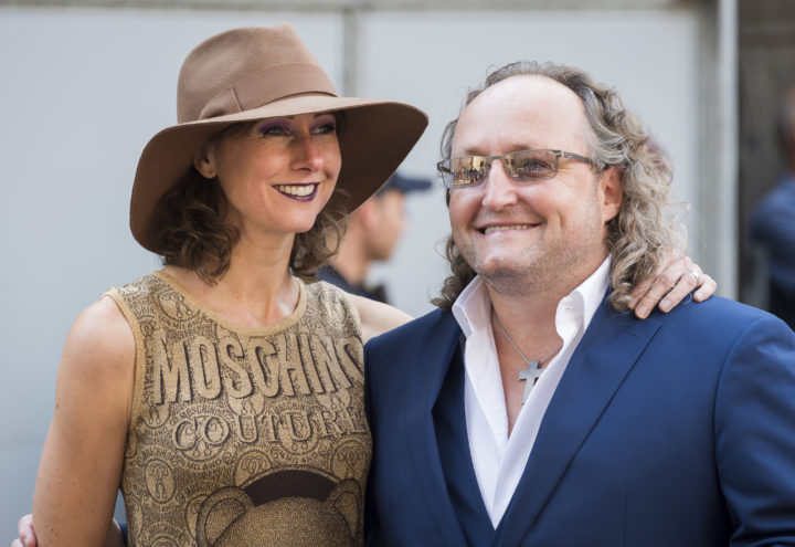 2016-09-20 12:28:33 DEN HAAG - PVV-Kamerlid Dion Graus met partner bij de Ridderzaal op Prinsjesdag. ANP LEX VAN LIESHOUT