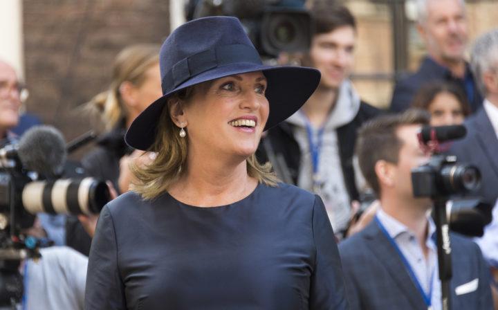 2016-09-20 12:28:33 DEN HAAG - D66 Tweede Kamerlid Pia Dijkstra bij de Ridderzaal op Prinsjesdag. ANP LEX VAN LIESHOUT