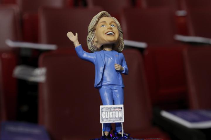 Clinton-bobble-1200x800