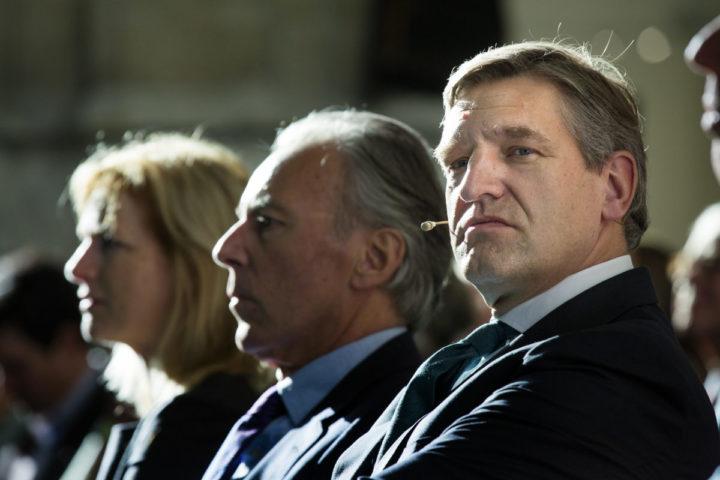 2014-11-08 12:48:42 ALKMAAR - Elco Brinkman (L), fractievoorzitter in de Eerste Kamer, en Sybrand Buma, fractievoorzitter in de Tweede Kamer, tijdens het najaarscongres van het CDA. ANP BART MAAT
