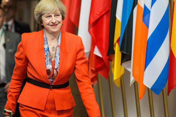 2016-10-21 14:37:26 epa05596089 Britain's Prime Minister Theresa May leaves at the end of the second day of European Summit in Brussels, Belgium, 21 October 2016. EU leaders met on 20 and 21 October to discuss migration, trade and Russia, including its role in Syria. It was also the first summit attended by new British Prime Minister Theresa May. EPA/STEPHANIE LECOCQ