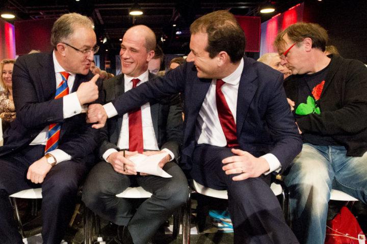 2016-02-13 00:00:00 AMERSFOORT - Ahmed Aboutaleb, Diederik Samsom, Lodewijk Asscher en Hans Spekman tijdens het jaarlijkse partijcongres van de PvdA. ANP ROBIN UTRECHT