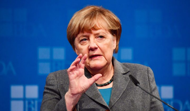 2016-11-15 11:42:17 German Chancellor Angela Merkel addresses guests at a meeting of the Confederation of German Employers' Associations (BDA - Bundesvereinigung der Deutsche Arbeitgeberverbaende) in Berlin on November 15, 2016. / AFP PHOTO / John MACDOUGALL