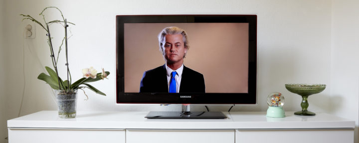 2015-06-24 17:56:31 DEN HAAG - Het filmpje van de PVV met daarin een statement van PVV-leider Geert Wilders en Mohammed-cartoons is te zien op NPO 1. Het filmpje met de negen spotprenten van de profeet werd uitgezonden in de Zendtijd voor Politieke Partijen. ANP MARTIJN BEEKMAN