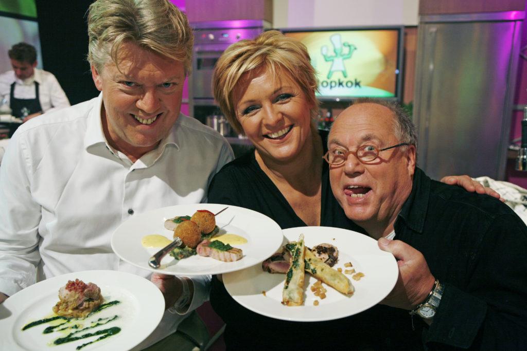 2006-11-14 00:00:00 TOPKOK, Caroline Tensen, Robert Kranenborg en Joop Braakhekke gaan in het  Talpa kookprogramma op zoek naar de beste amateur kok van Nederland. Op de foto : Robert Kranenborg, Caroline Tensen en Joop Braakhekke.