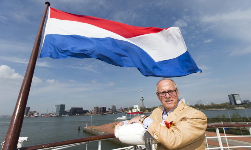 2016-04-14 13:03:09 ROTTERDAM - Sterrekok Joop Braakhekke tijdens de nationale opening van het aspergeseizoen op het voormalige Cruiseschip de SS Rotterdam. ANP JERRY LAMPEN