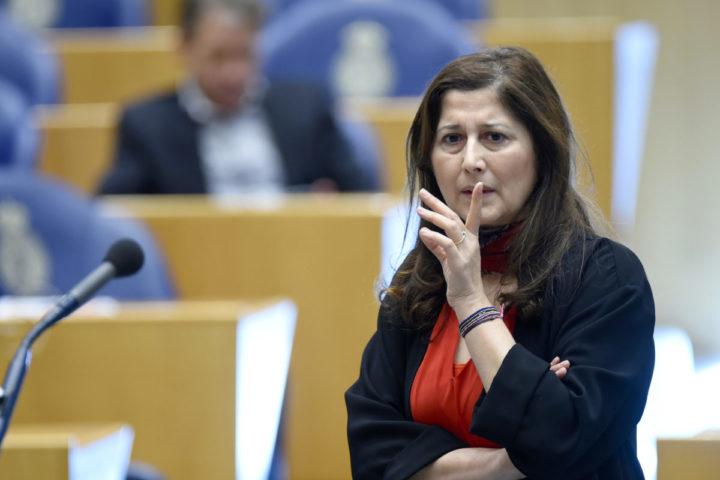 Nederland, Den Haag, 16 februari 2016, Fatma Koser Kaya, D66 kamerlid, tijdens het vragenuurtje in de tweede kamer. Foto; Peter Hilz / HH