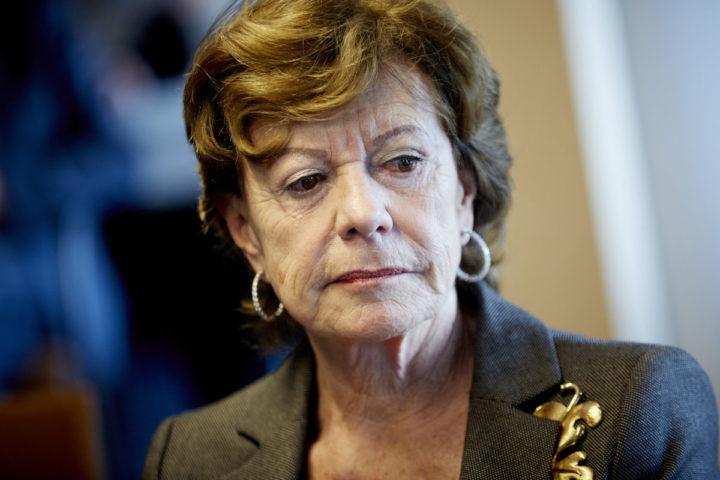 2015-01-27 10:24:45 ROTTERDAM - Portret van Neelie Kroes. De voormalig eurocommissaris is als de speciale ambassadeur voor start-ups te gast in de Haven van Rotterdam, waar ze samen met andere Nederlandse ambassadeurs wordt bijgepraat over de Nederlandse economie. ANP MARTIJN BEEKMAN