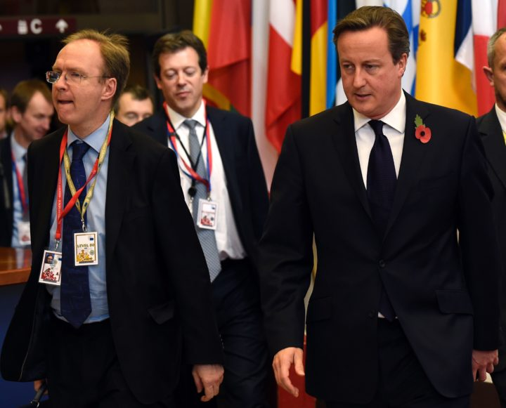 2014-10-24 13:01:54 (FILES) In this file picture taken on October 24, 2014, British Prime Minister David Cameron (R) and Britain's ambassador to the European Union, Ivan Rogers (L) leave European Union summit at EU headquarters in Brussels. Britain's ambassador to the European Union, Ivan Rogers, has resigned, Tuesday, January 3, 2017, less than three months before the UK is due to trigger the process to leave the bloc, a source told AFP. Rogers headed the United Kingdom Permanent Representation to the European Union (UKRep), which represents Britain in negotiations that take place in the EU. / AFP PHOTO / JOHN THYS