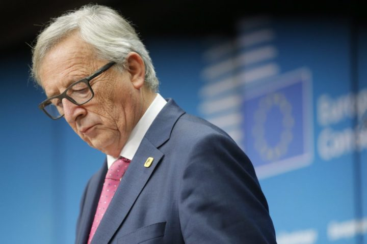 2016-12-15 19:10:24 epaselect epa05677582 European commission President Jean-Claude Juncker gives final news conference during at the end of an European Summit in Brussels, Belgium, 15 December 2016. EU leaders meet for a one-day summit which will mainly focus on the implementation of the EU-Turkey agreement on migration and the EU Internal Security Strategy. 27 leaders are scheduled to later meet informally for a dinner to discuss the Brexit process. EPA/OLIVIER HOSLET