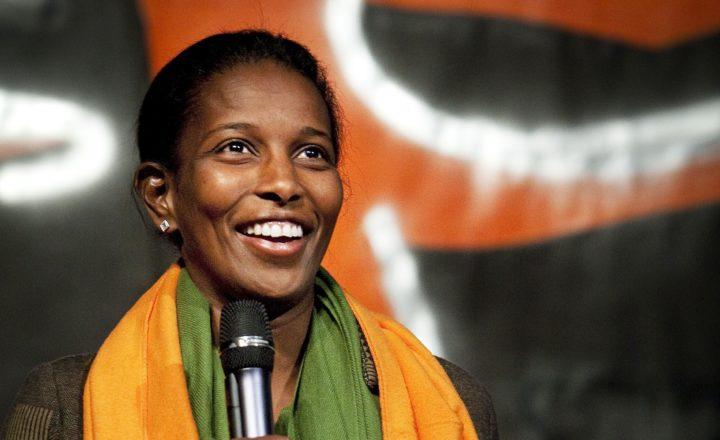 2010-03-20 15:54:36 UTRECHT - Ayaan Hirsi Ali neemt zaterdag de Oranje Boven 2010 in ontvangst tijdens de SGP Jongerendag in Utrecht en krijgt ook een oranje sjaal. ANP ROBIN UTRECHT