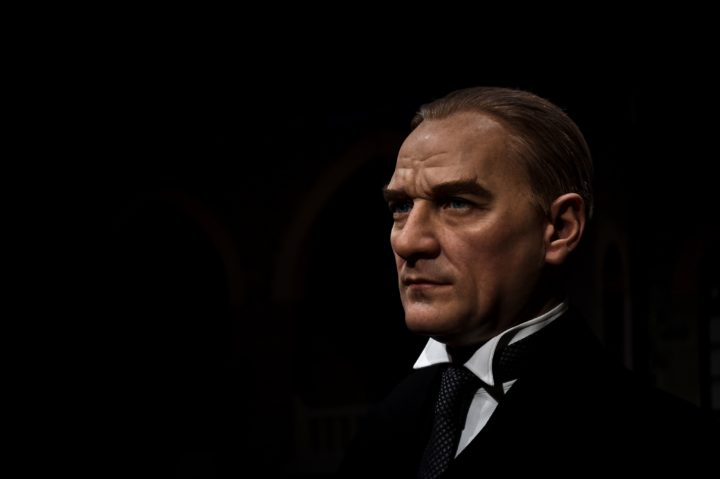 2016-11-22 10:29:11 TO GO WITH AFP STORY BY FULYA OZERKAN A picture taken on November 22, 2016 shows a wax statue of Mustafa Kemal Ataturk, the founder of modern Turkey, at the world's 21st Madame Tussauds wax museum in Istanbul. The new branch of the iconic waxwork franchise Madame Tussauds in the centre of Istanbul, where the brand's famous mix of global celebrities has a special Turkish flavour, opened its doors November 28, 2016. The attraction is situated in the heart of the European side of the city and hopes to reverse a trend of declining tourism after a spate of terror attacks in 2016. / AFP PHOTO / Ozan KOSE