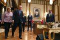 Gespannen ontmoeting: Merkel maant Erdogan tot kalmte