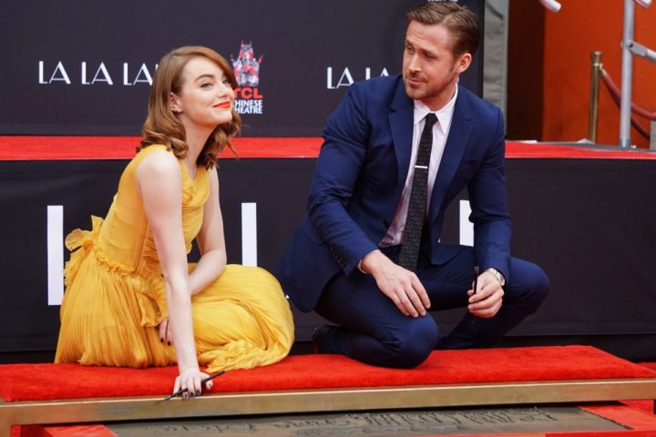 2016-12-07 12:17:22 epa05664829 US actress Emma Stone (L) and Canadian actor Ryan Gosling (R) pose during a hand and footprint ceremony honoring them at the TCL Chinese Theatre in Hollywood, California, USA, 07 December 2016. Stone and Gosling star in the upcoming movie 'La La Land'. EPA/MIKE NELSON