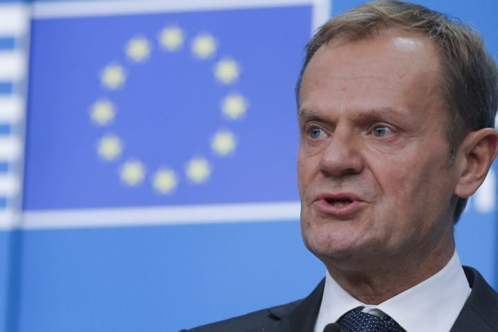 2016-12-15 19:08:49 epa05677581 European Council President Donald Tusk gives final news conference during at the end of an European Summit in Brussels, Belgium, 15 December 2016. EU leaders meet for a one-day summit which will mainly focus on the implementation of the EU-Turkey agreement on migration and the EU Internal Security Strategy. 27 leaders are scheduled to later meet informally for a dinner to discuss the Brexit process. EPA/OLIVIER HOSLET