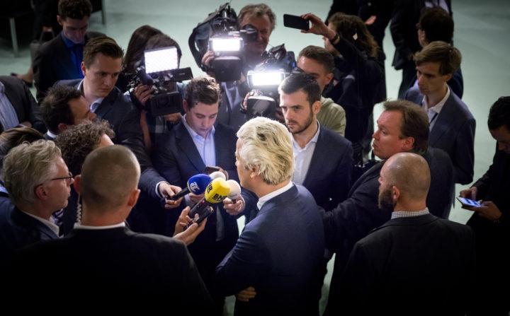 Wilders beantwoordt vragen van de pers in de Tweede Kamer - Foto: ANP