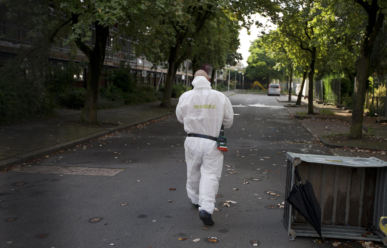 wie moet het verwijderen van asbest in woning betalen. Black Bedroom Furniture Sets. Home Design Ideas