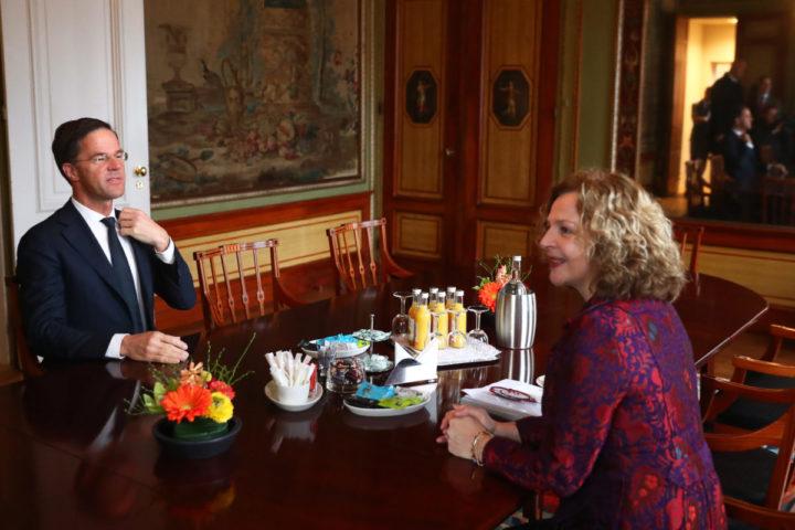 2017-03-20 08:28:55 DEN HAAG - Fractievoorzitter Mark Rutte van de VVD voor aanvang van een gesprek met Edith Schippers. Verkenner Schippers spreekt met alle dertien fractievoorzitters over mogelijke regeringscoalities. ANP JERRY LAMPEN