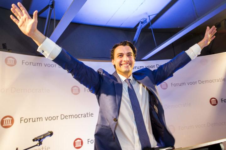 2017-03-15 22:55:07 AMSTERDAM - Lijstaanvoerder Thierry Baudet spreekt de aanwezigen toe in Level Eleven tijdens de uitslagenavond van Forum voor Democratie (FVD) na afloop van de Tweede Kamerverkiezingen. ANP VINCENT JANNINK