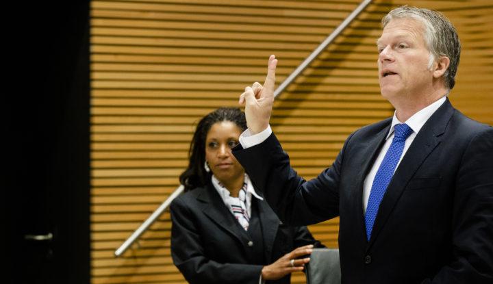 2014-07-02 09:27:37 DEN HAAG - Wouter Bos, oud-minister van Financien, verschijnt voor de parlementaire enquetecommissie woningcorporaties. ANP BART MAAT