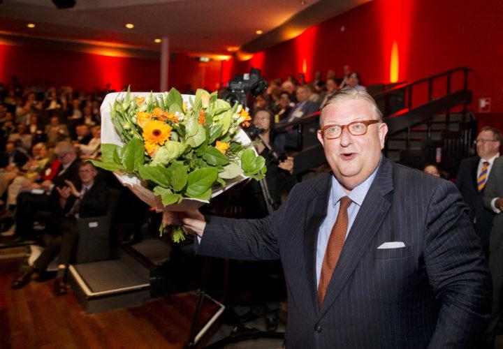 2014-06-14 16:17:13 BUSSUM - Henry Keizer is op de ledenvergadering van de VVD benoemd tot partijvoorzitter. ANP JERRY LAMPEN